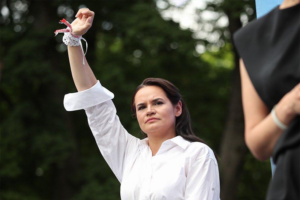 Домохозяйка в большой политике: «лицо протестов» Тихановская не может работать без советчиков